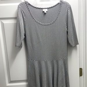 LuLaRoe Nicole Black & White XL